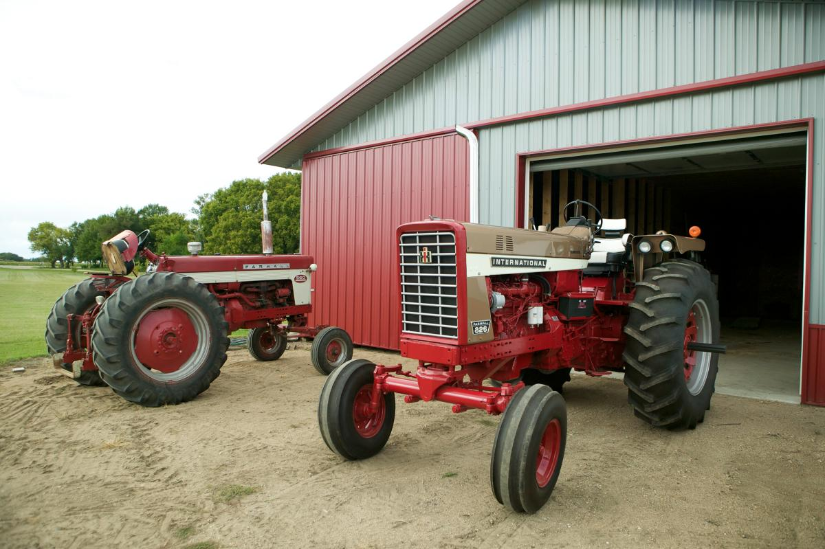 1970 574 International Tractors : Ih demonstrator octane press