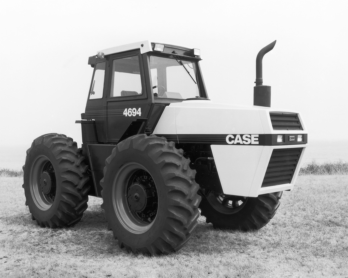The 4694 was now the middle of a five-tractor lineup and still largely an  uprated 4494. The uprate came mainly from the turbo-intercooled 504, which  was run ...
