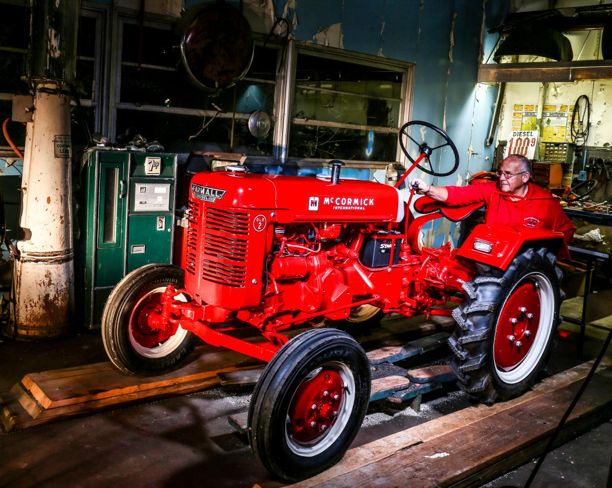 Image of Jerry on a Farmall DLD2