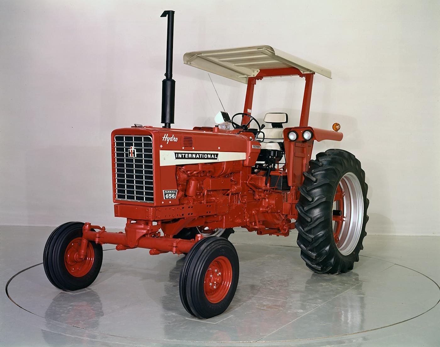 International Tractor Spindle : International octane press